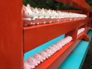 岡崎神社うさぎの置物1