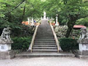 建勲神社階段