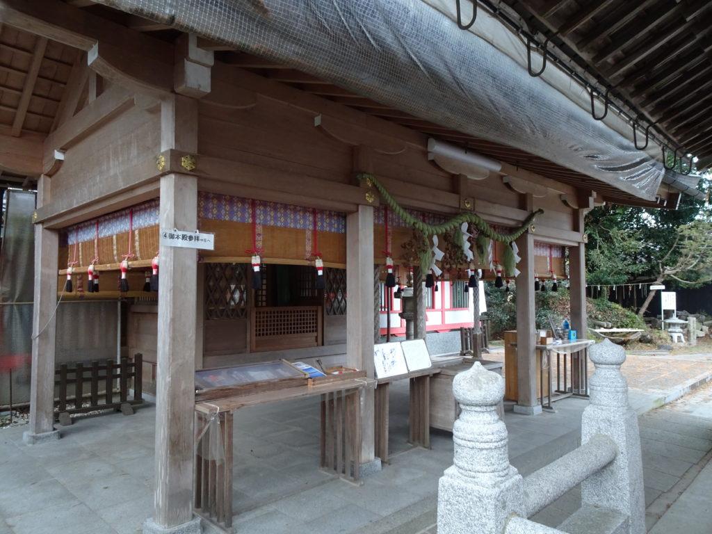 薭田野神社本殿1