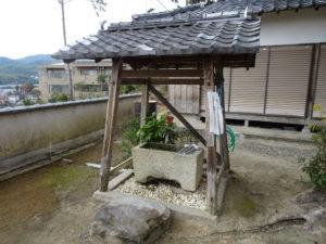 走田神社手水舎