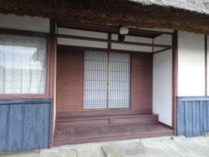 走田神社社務所玄関