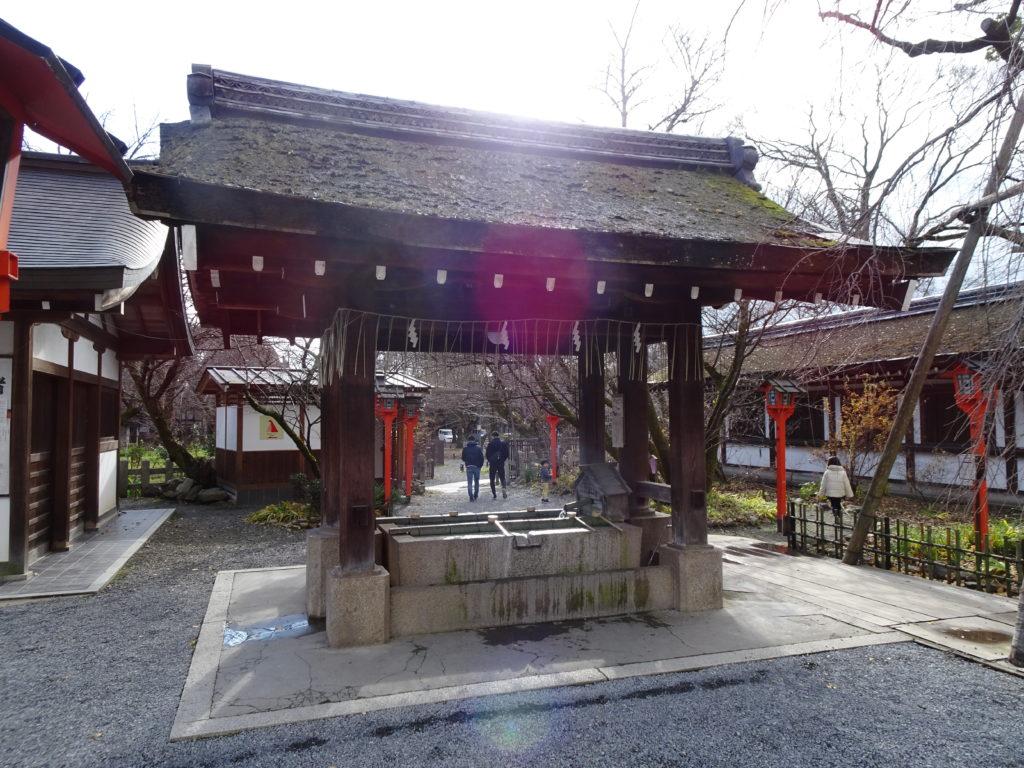 平野神社手水舎1