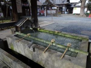 平野神社手水舎2