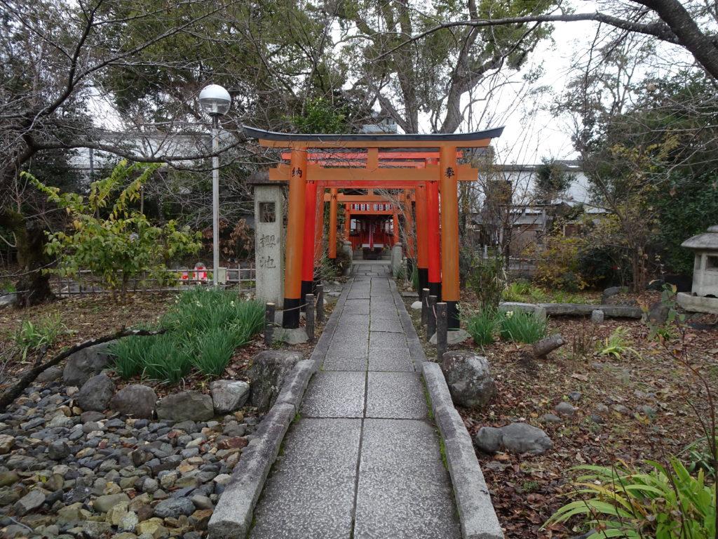 平野神社末社・出世導引稲荷神社1