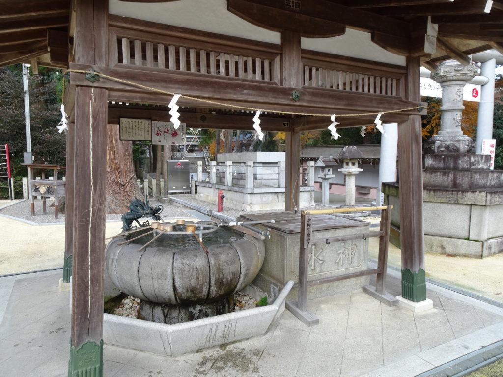 田村神社手水舎2