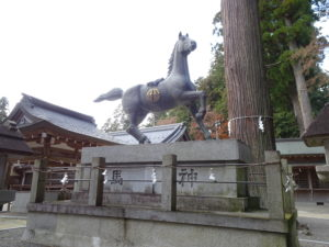 田村神社神馬像