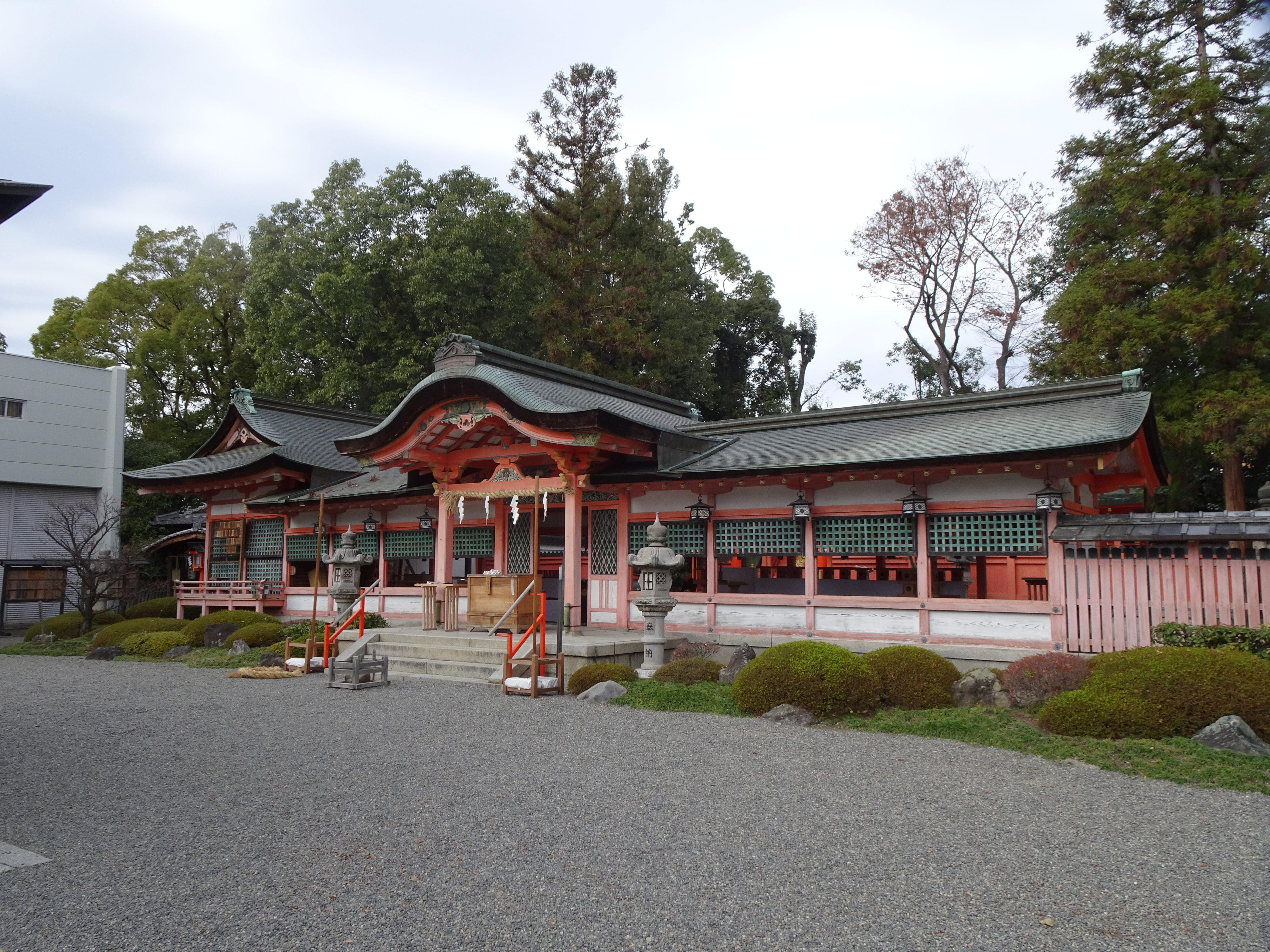 西院春日神社本殿